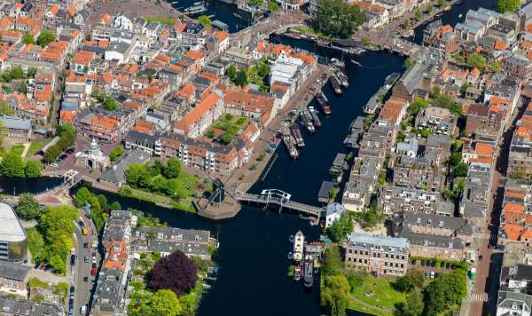 Right, we are moving to Leiden, Holland!