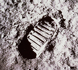 Moon footprint - Space Trivia Questions